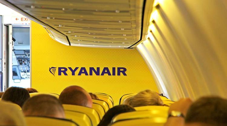 b63da66435f3 Ryanair kisokos 2019: kézipoggyász mérete, ára, tartalma és Ryanair ...