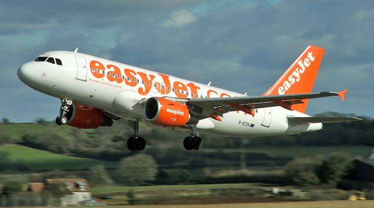 87bfa2c0b04b Az EasyJet angol low-cost légitársaság egyébként versenytársaihoz hasonlóan  évről-évre növelni tudja utasszámát és profitját.