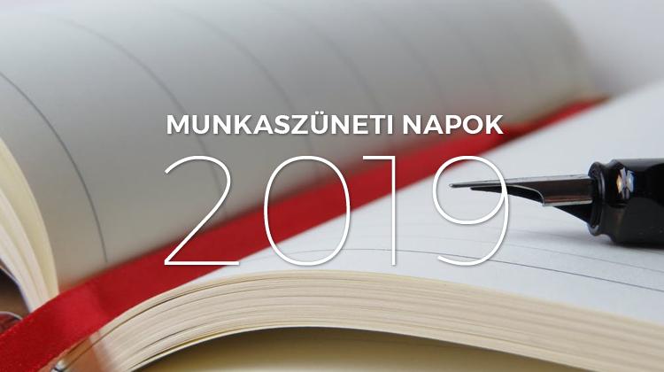 2019 évi naptár ünnepnapokkal Munkaszüneti napok 2019 ben: naptár ünnepekkel és a hosszú  2019 évi naptár ünnepnapokkal